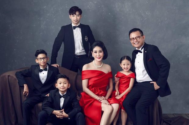 Hé lộ gia thế khủng, dòng dõi quyền quý của các Hoa hậu Việt-9