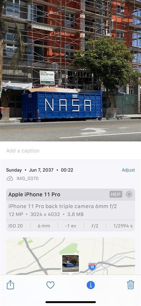 Cách thay đổi vị trí và ngày/giờ của hình ảnh trên iOS 15-16