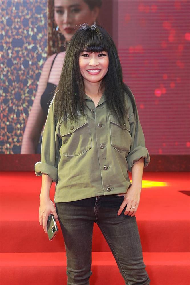 Những chiếc váy đúng người, sai thời điểm, nhiều sao Việt vì yêu cứ đâm đầu-11