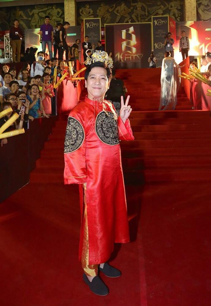 Những chiếc váy đúng người, sai thời điểm, nhiều sao Việt vì yêu cứ đâm đầu-15