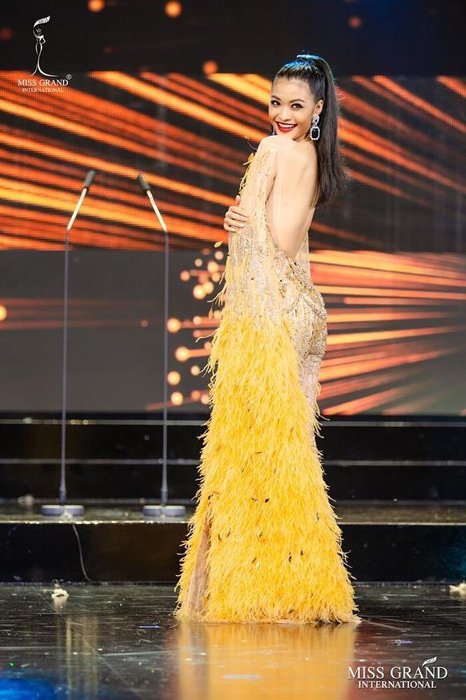 Những chiếc váy đúng người, sai thời điểm, nhiều sao Việt vì yêu cứ đâm đầu-4