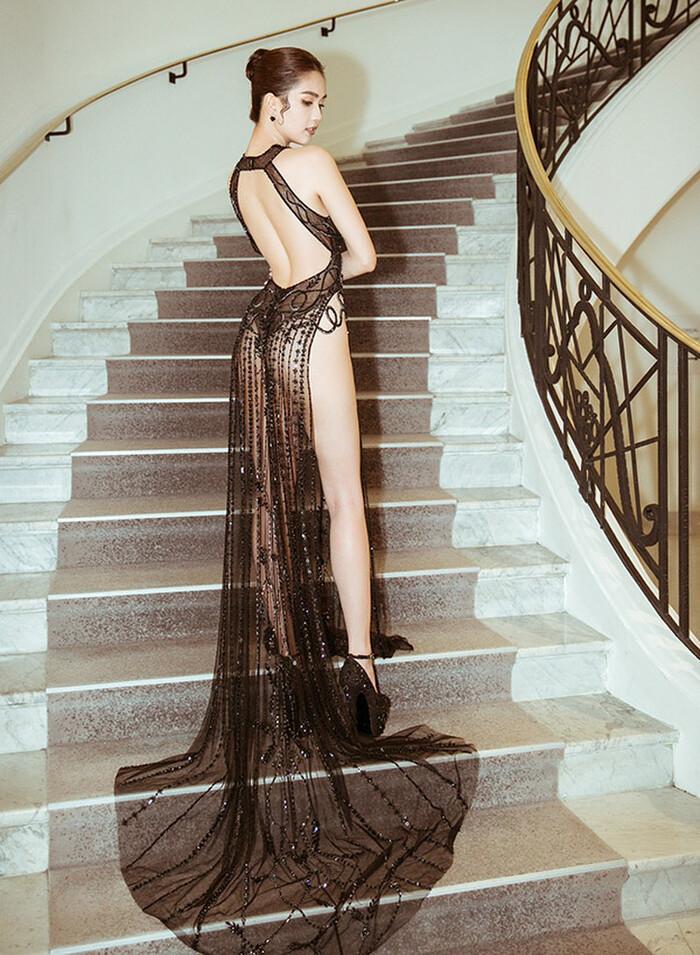 Những chiếc váy đúng người, sai thời điểm, nhiều sao Việt vì yêu cứ đâm đầu-6