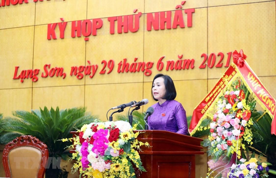 Ba Doan Thi Hau duoc bau lam Chu tich Hoi dong Nhan dan tinh Lang Son hinh anh 1