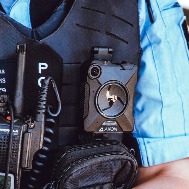 Để chặn nguồn rò rỉ thông tin ở Trung Quốc, Apple bắt các công nhân phải đeo camera trên người - Ảnh 3.