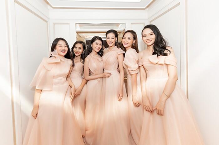 Khi các nàng hậu Việt làm phù dâu, cô dâu thấp thỏm vì sợ bị chiếm sóng-7
