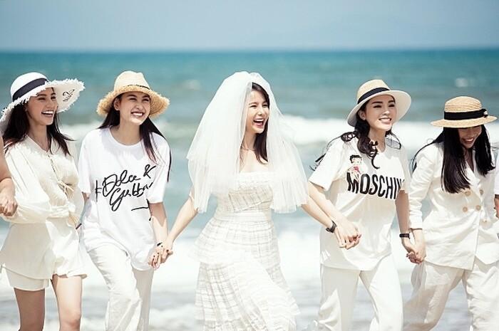 Khi các nàng hậu Việt làm phù dâu, cô dâu thấp thỏm vì sợ bị chiếm sóng-9