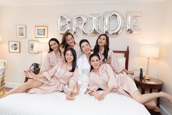 Khi các nàng hậu Việt làm phù dâu, cô dâu thấp thỏm vì sợ bị chiếm sóng-6