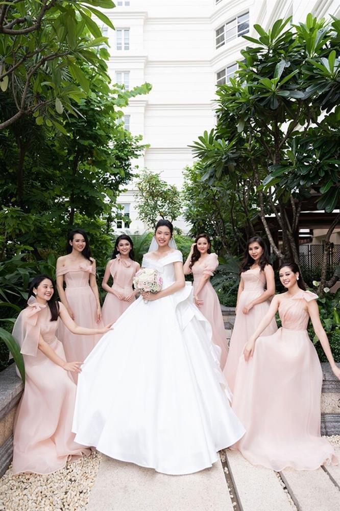 Khi các nàng hậu Việt làm phù dâu, cô dâu thấp thỏm vì sợ bị chiếm sóng-8