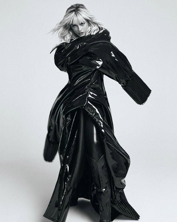 Minh tinh Charlize Theron và sao Hollywood khoe sắc trong trang phục của NTK Công Trí - 6