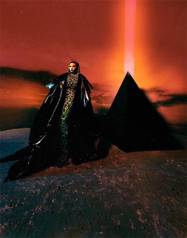 Minh tinh Charlize Theron và sao Hollywood khoe sắc trong trang phục của NTK Công Trí - 8