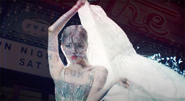 Minh tinh Charlize Theron và sao Hollywood khoe sắc trong trang phục của NTK Công Trí - 10