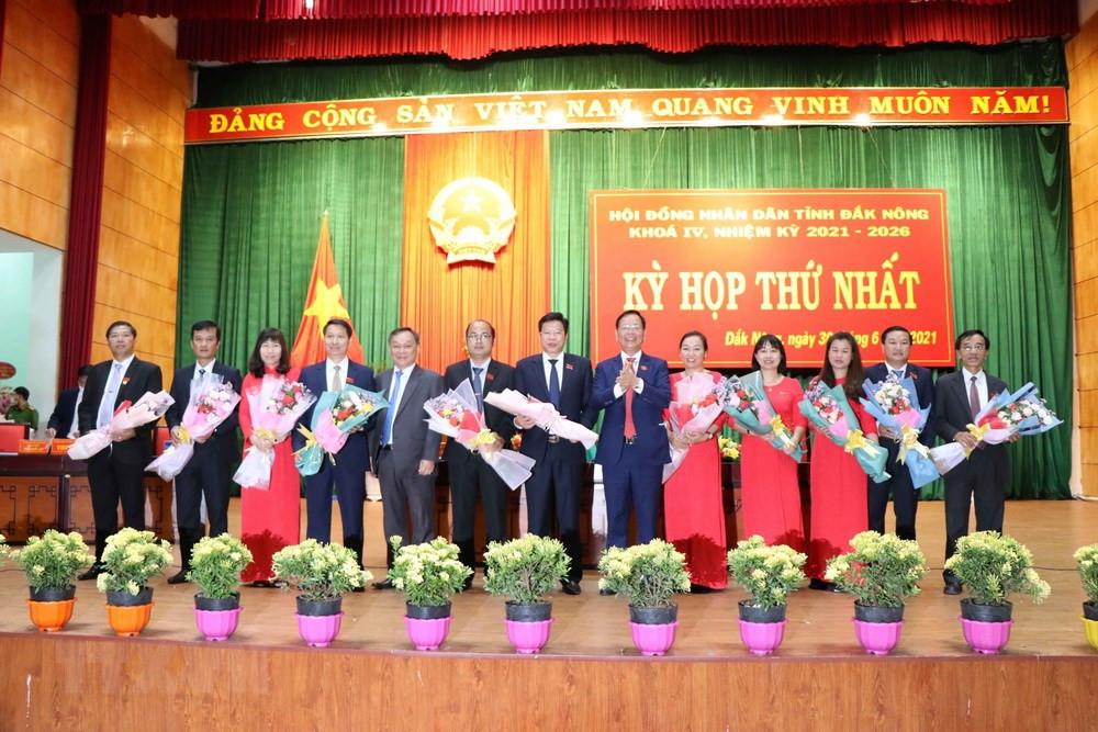 Ong Luu Van Trung duoc bau lam Chu tich HDND tinh Dak Nong hinh anh 1