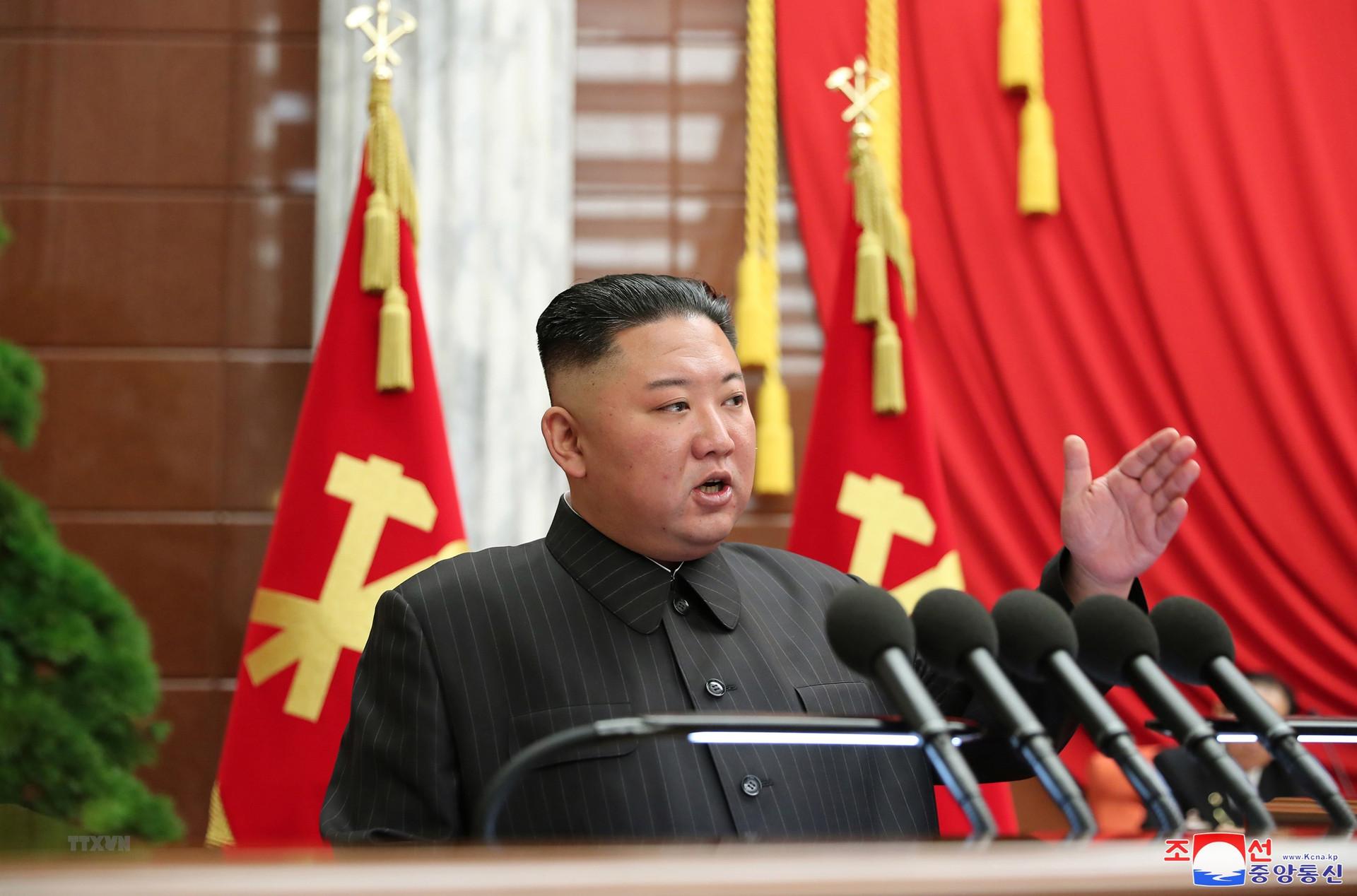 Ong Kim Jong-un chi ra su co nghiem trong trong cuoc chien COVID-19 hinh anh 1