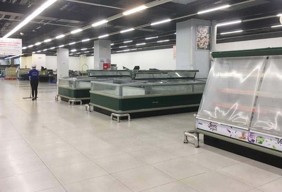 Hà Nội: Lotte Mart Đống Đa tan tác trước ngày đóng cửa - 6