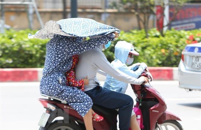 Dự báo thời tiết 1/7: Bắc Bộ nắng nóng, chiều tối mưa dông vài nơi - 1