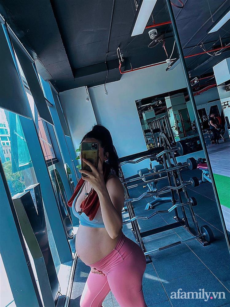Mẹ 9x khoe cơ bụng đẹp nức nở dù mới sinh con 3 tháng, chỉ ra sai lầm của nhiều chị em khiến việc giảm cân sau sinh thất bại-2
