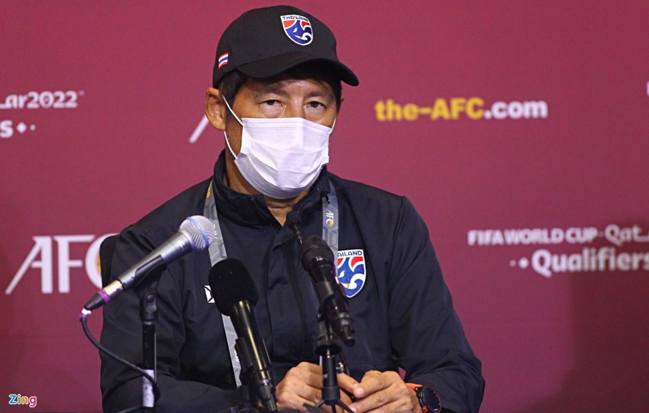 HLV Nishino bác tin mất liên lạc với liên đoàn bóng đá Thái Lan - 1