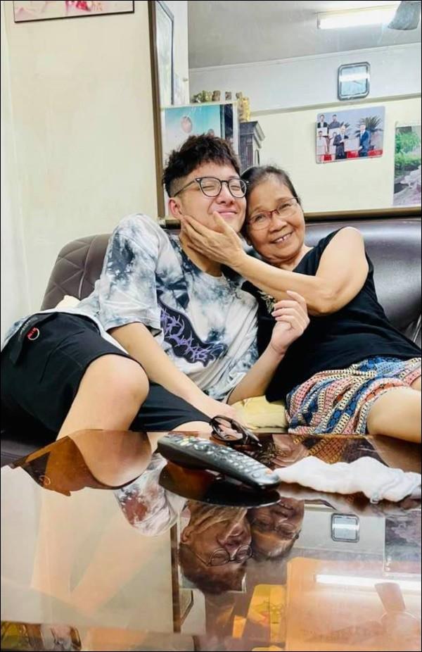Chia tay Công Lý, Thảo Vân vẫn giữ quan hệ tốt với nhà chồng cũ, nhìn cách cô dạy con trai cư xử mà phục-3