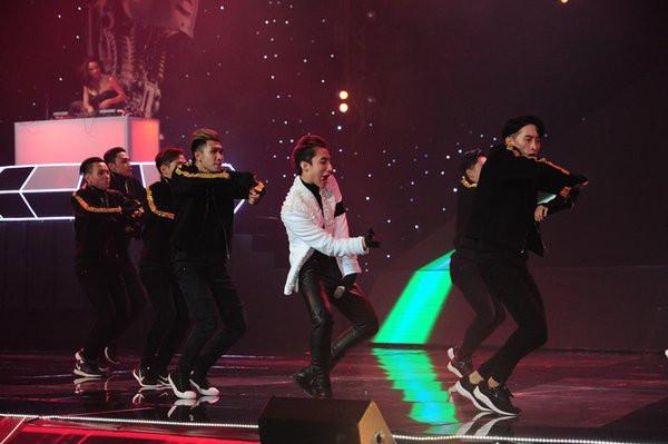 Sơn Tùng M-TP làm giám khảo tại The Remix 2016