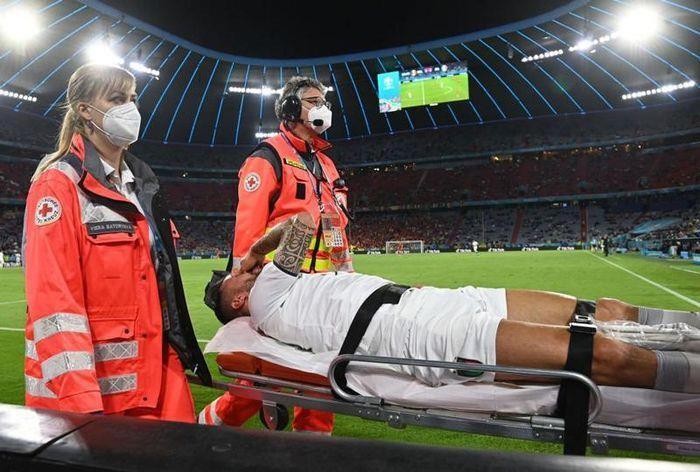 EURO 2020 ngày 3/7: Xác định cặp bán kết đầu tiên, cầu thủ Italy bật khóc - 2