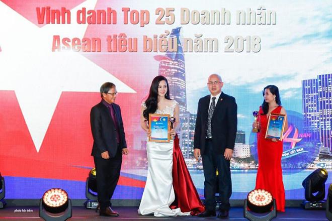 Nữ doanh nhân Nguyễn Thị Bích Vân – đóa hồng bản lĩnh ngành thời trang. - 2