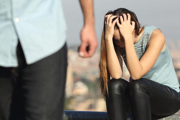 Cay cú vì người yêu 7 năm lừa dối đòi chia tay, cô gái có người mới chỉ sau 3 tháng, đến khi kết hôn và mang bầu mới biết sự thật ngỡ ngàng-6