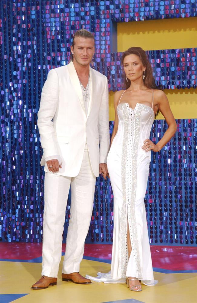Kỉ niệm 22 năm ngày cưới, David Beckham mặc đồ đôi cùng vợ-4