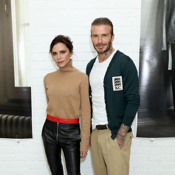 Kỉ niệm 22 năm ngày cưới, David Beckham mặc đồ đôi cùng vợ-6