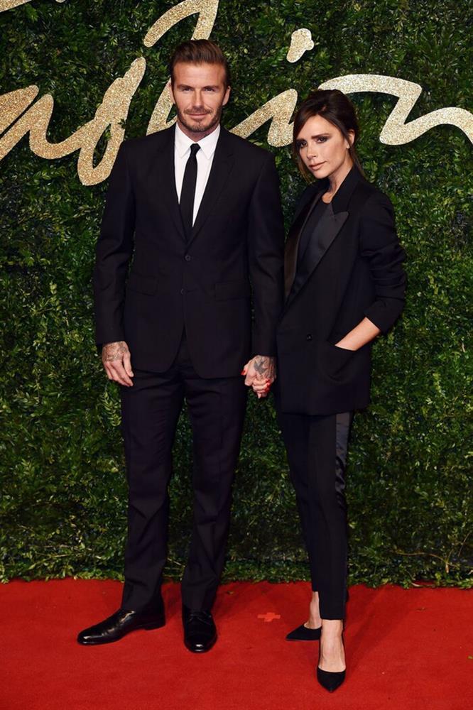 Kỉ niệm 22 năm ngày cưới, David Beckham mặc đồ đôi cùng vợ-7