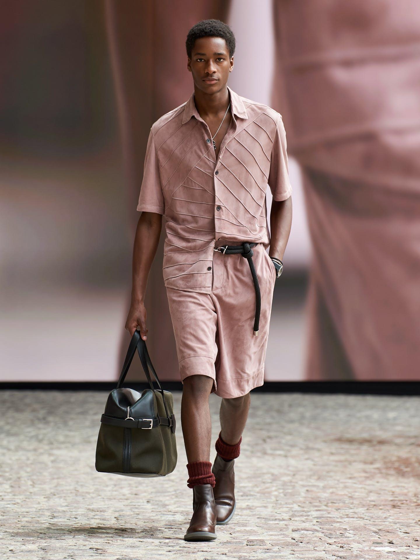 Hermès hướng đến sự nhẹ nhàng và tự do cho bộ sưu tập nam mới - 3