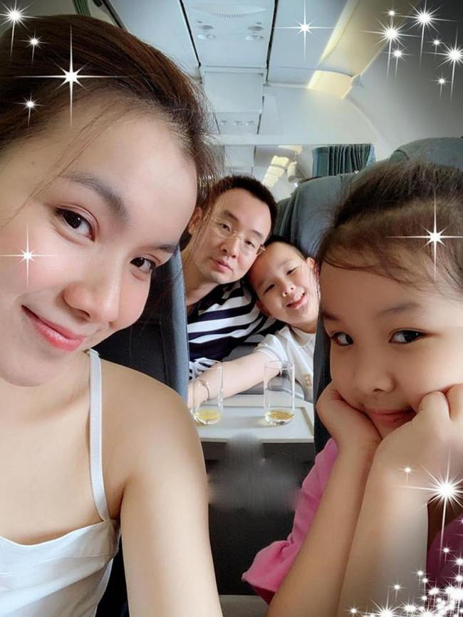 Con trai hoa hậu Thùy Lâm gây ấn tượng vì nói tiếng Anh cực siêu, chỉ 1 câu trong bài phát biểu đã cho thấy mẹ dạy quá khéo-1