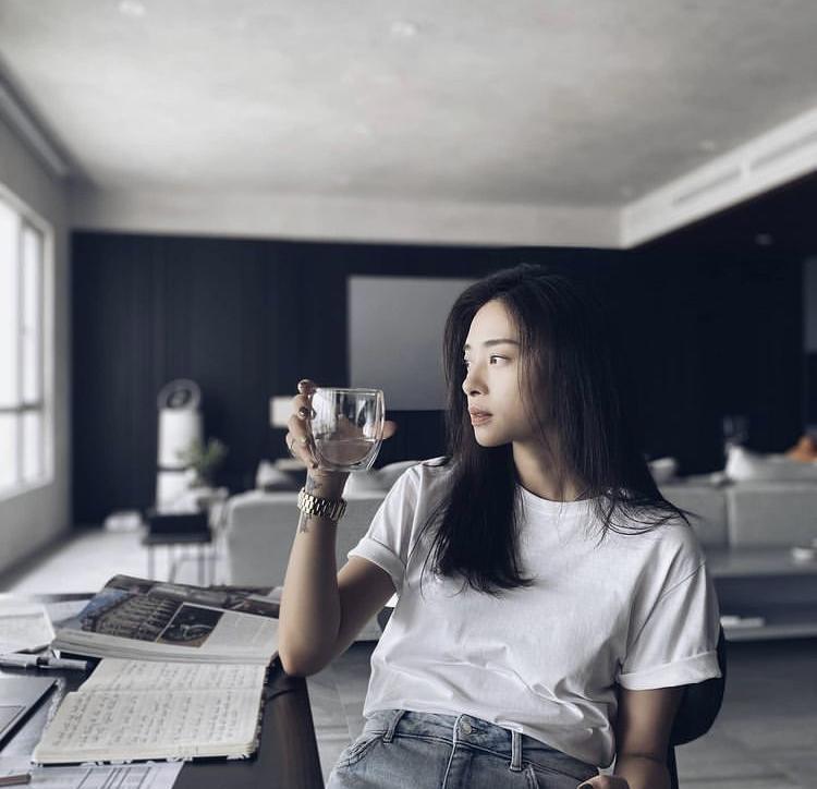 Đả nữ Ngô Thanh Vân chuộng style tối giản nhưng khí chất ngời ngời-7