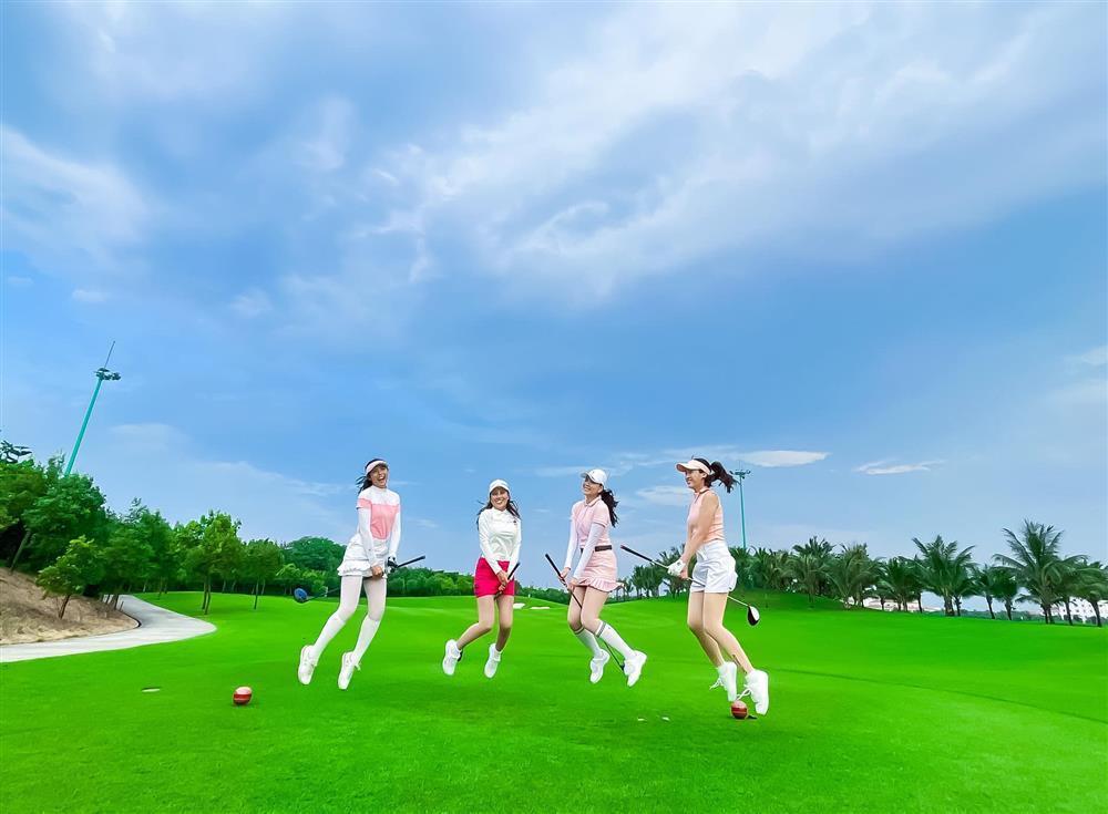 Đỗ Mỹ Linh chơi golf: Đã hết phèn nhờ chi tiền không tiếc tay-9