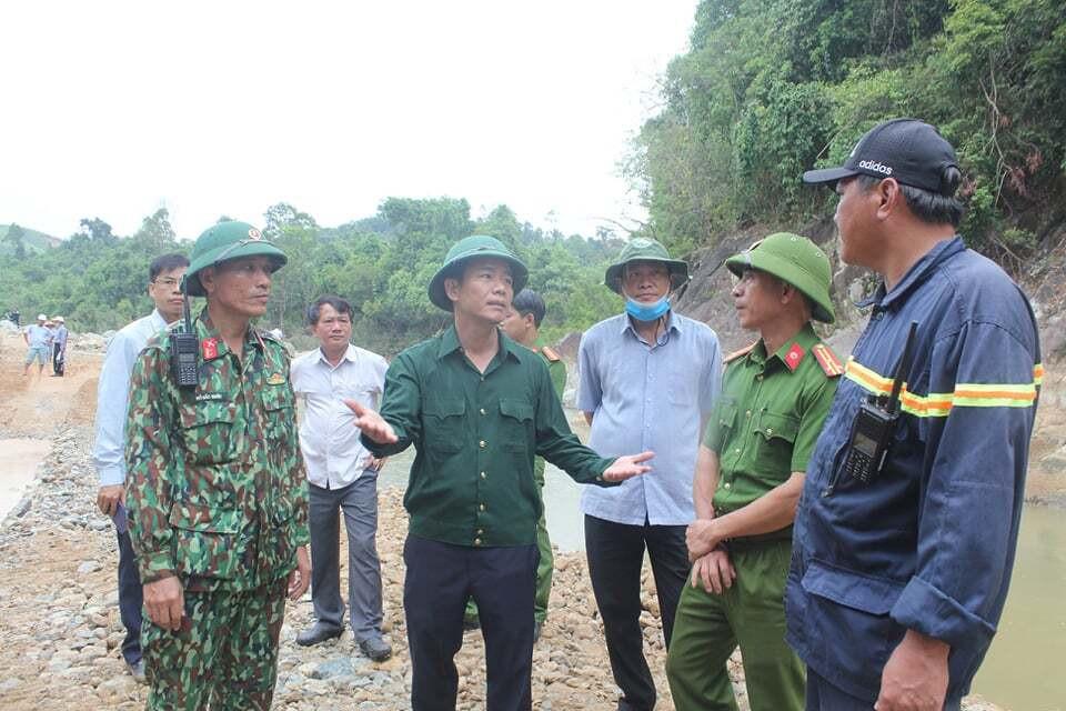 Xả nước tìm 11 người còn mất tích ở Rào Trăng 3 dưới lòng hồ thuỷ điện - 1