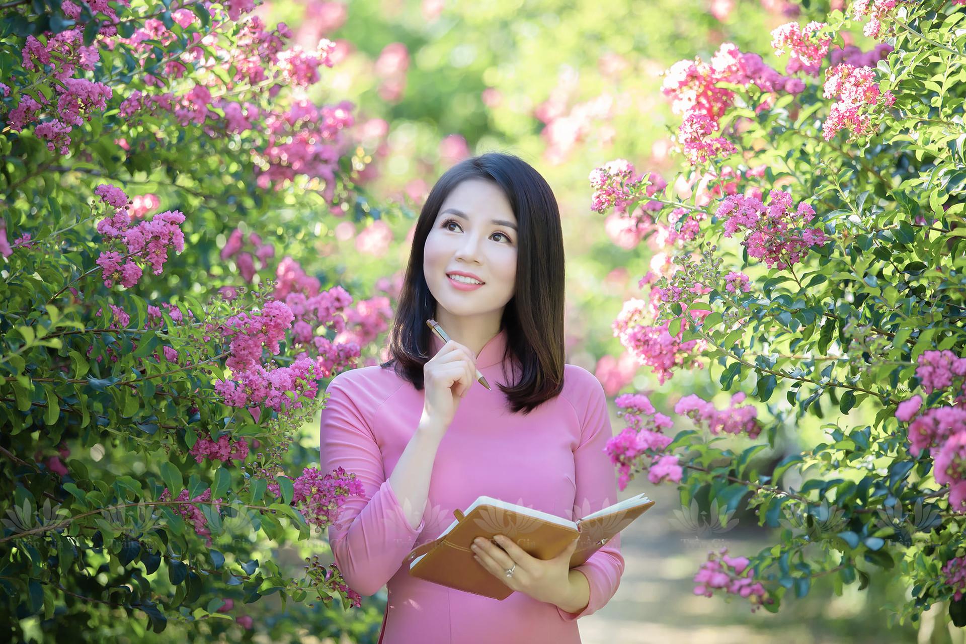 Mê mẩn đường hoa tường vi, đẹp tựa vườn thượng uyển ở trời Âu - 4