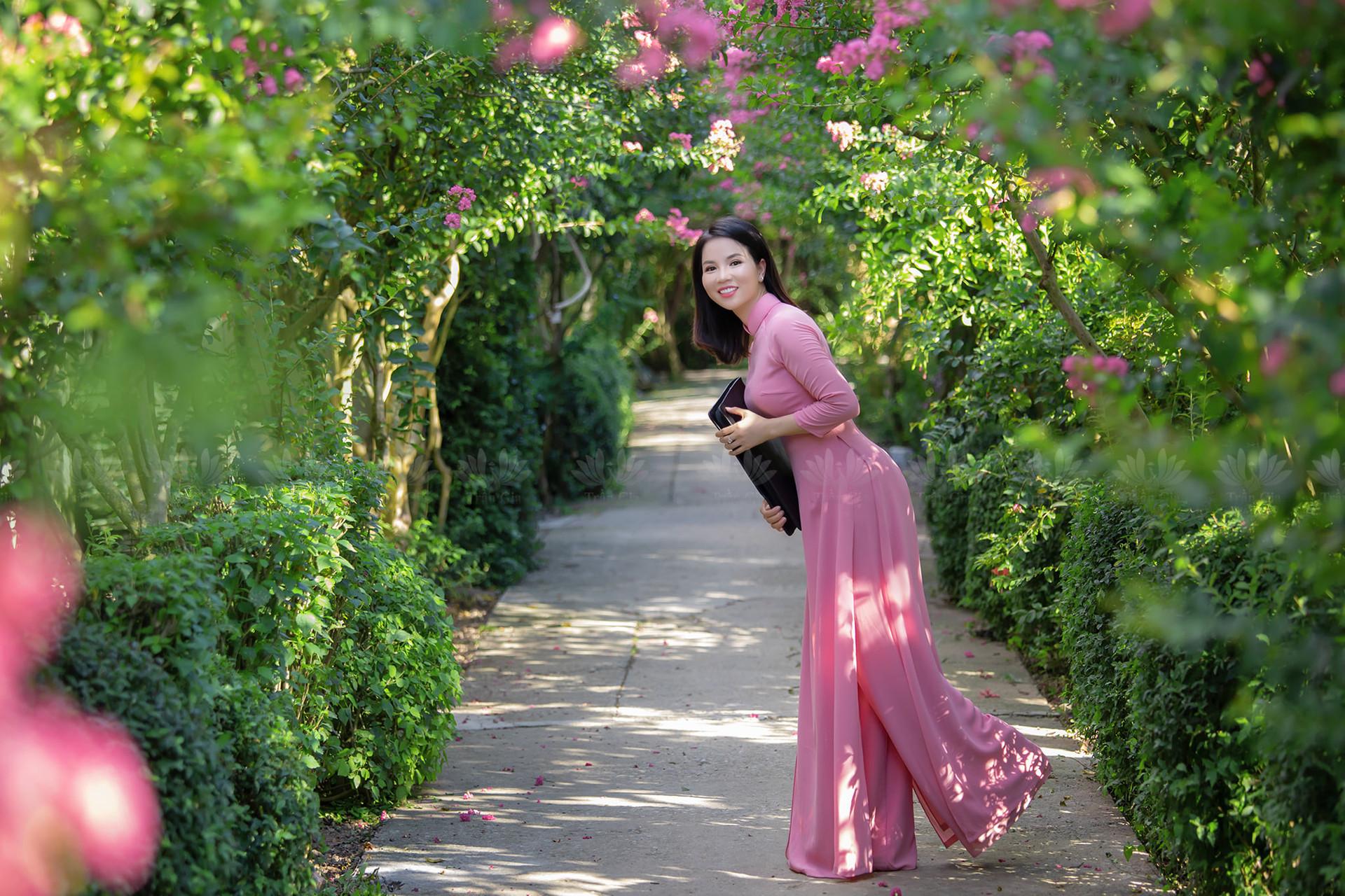 Mê mẩn đường hoa tường vi, đẹp tựa vườn thượng uyển ở trời Âu - 5