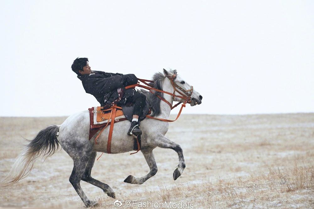 Hotboy chăn bò Tây Tạng từng gây sốt mạng xã hội giờ ra sao? - 5