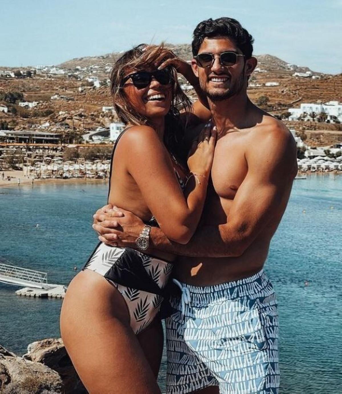 Goncalo Guedes cùng bạn gái đi du lịch Hy Lạp sau khi Bồ Đào Nha thua Bỉ ở vòng 1/8 EURO 2021.