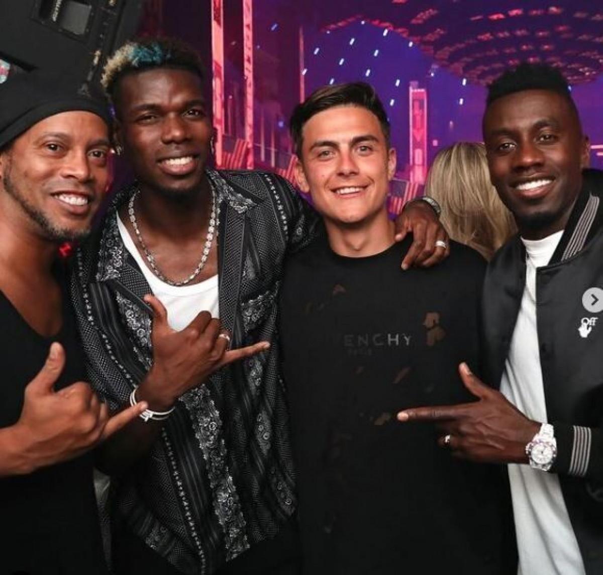 Paul Pogba tụ tập tiệc tùng với Ronaldinho, Paulo Dybala và Blaise Matuidi.