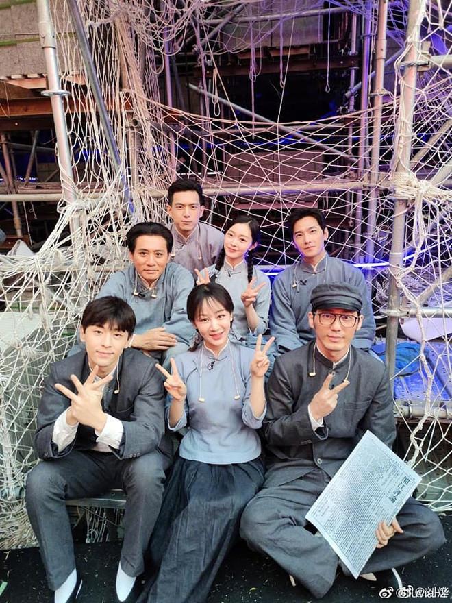 Sau nhiều năm diễn xuất, Dương Tử cuối cùng cũng tái hợp với tận 2 'bạn trai cũ màn ảnh'