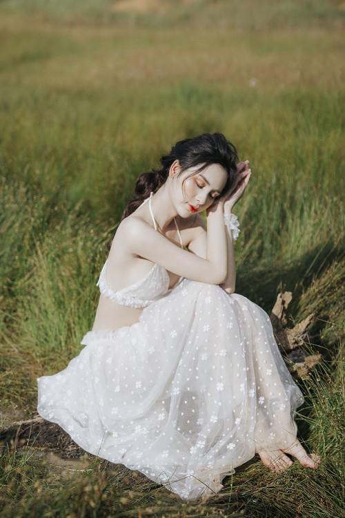 Vẻ đẹp tựa 'thiên thần' của mỹ nhân chuyển giới Tường Vi, xứng danh mỹ nhân đẹp nhất 'Miss International Queen Việt Nam 2020'