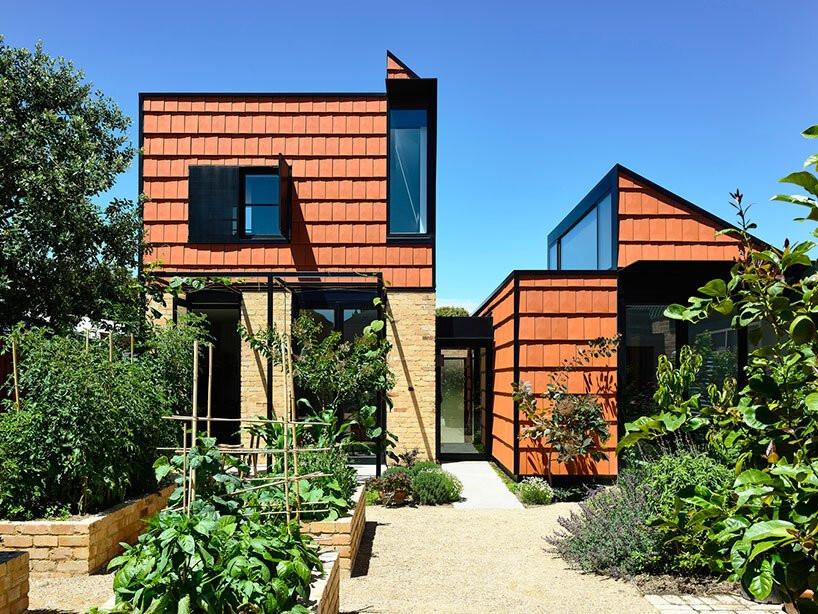 Cải tạo căn nhà cũ thành ngôi nhà đa thế hệ, có vườn cây xanh mát bao quanh khiến nhiều người ngưỡng mộ-1