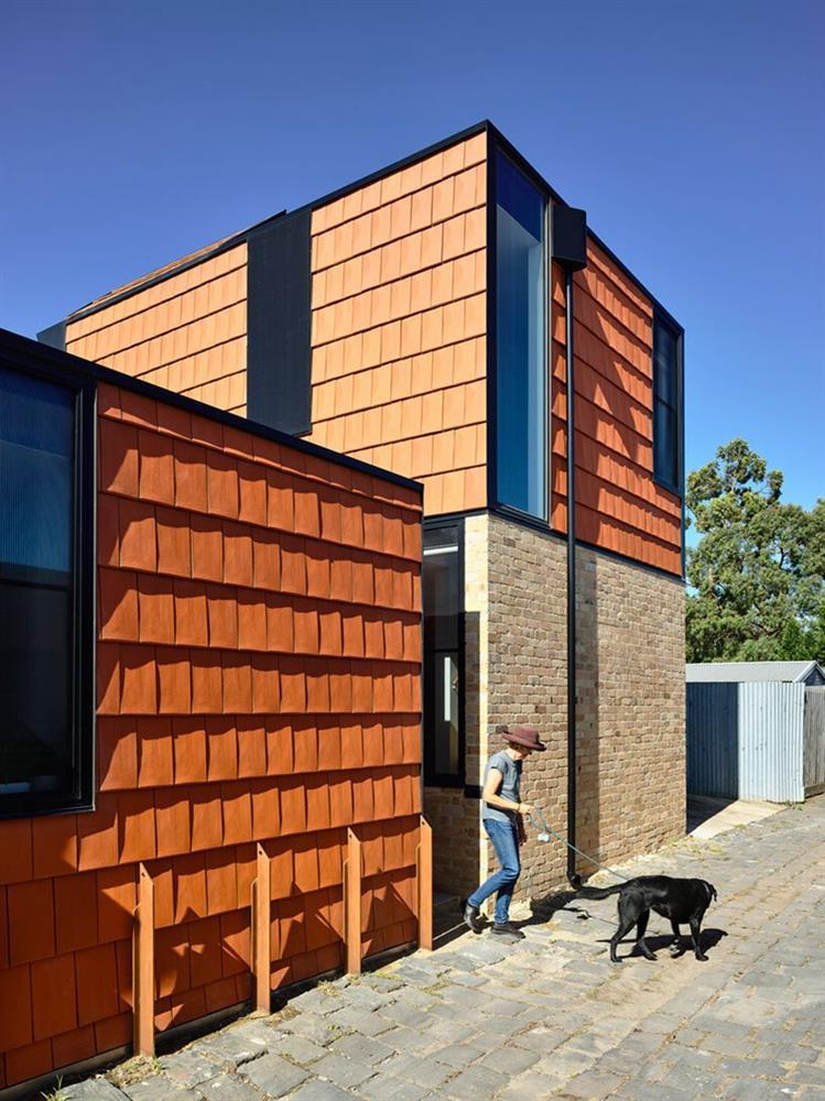 Cải tạo căn nhà cũ thành ngôi nhà đa thế hệ, có vườn cây xanh mát bao quanh khiến nhiều người ngưỡng mộ-3