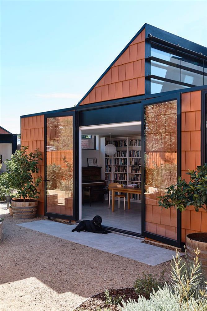 Cải tạo căn nhà cũ thành ngôi nhà đa thế hệ, có vườn cây xanh mát bao quanh khiến nhiều người ngưỡng mộ-6