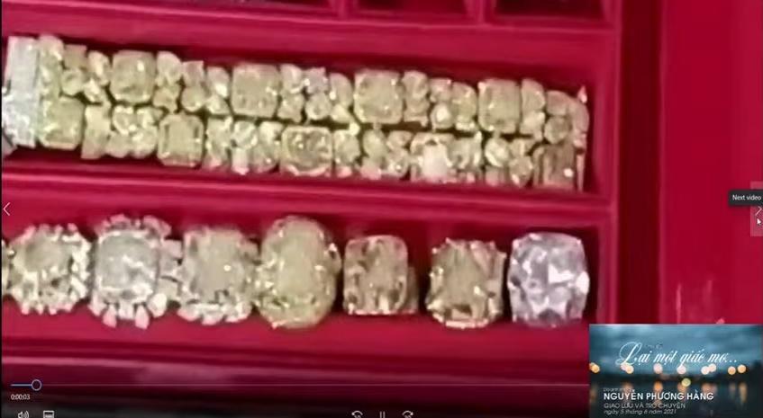 Bà Phương Hằng đeo vòng kim cương giá bằng căn biệt thự-10
