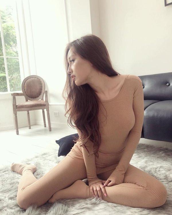 sao Việt bị chê phản cảm khi mặc đồ màu nude 8
