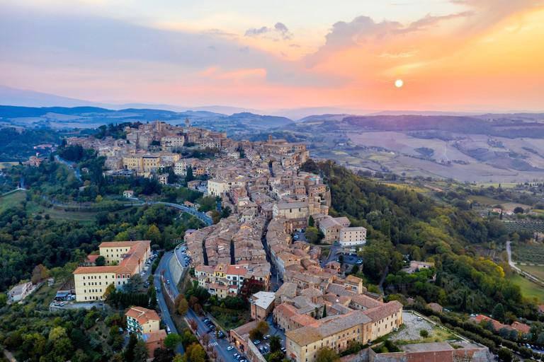 15 ngôi làng đẹp như cổ tích mà du khách chỉ có thể tìm thấy ở chốn phù hoa Italia - 3