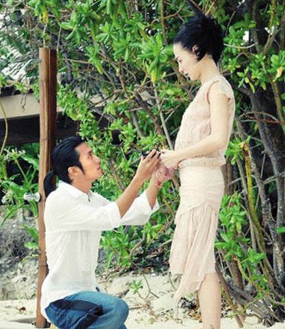 Hình ảnh đám cưới bí mật của Trương Bá Chi và Tạ Đình Phong bị đào mộ-3