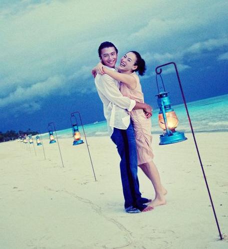 Hình ảnh đám cưới bí mật của Trương Bá Chi và Tạ Đình Phong bị đào mộ-2