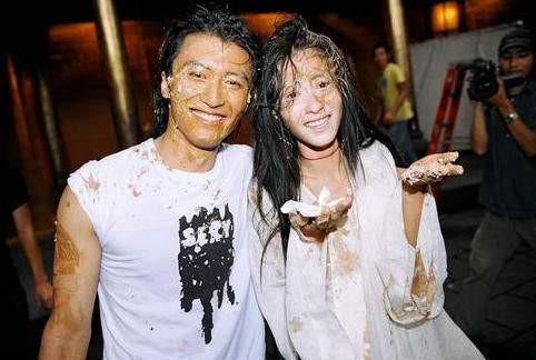 Hình ảnh đám cưới bí mật của Trương Bá Chi và Tạ Đình Phong bị đào mộ-1